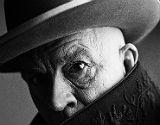 John Malkovich emula a Pablo Picasso.
