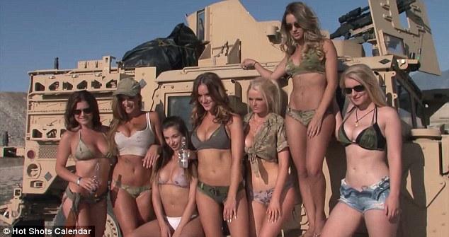 Producci�n del calendario er�tico 'Hot Shots 2015' en el cuartel de Camp Williams, en Utah.