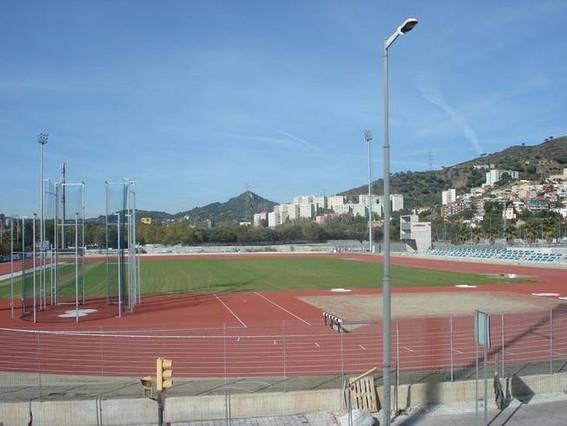 Santa coloma estrena el campo de atletismo antonio amor s for Piscina can zam