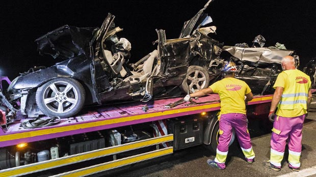 Cinc morts i 10 ferits en un accident múltiple a la A-7