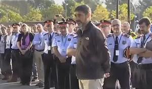 Recibimiento a Trapero en el cuartel de Sabadell, ayer.