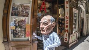zentauroepp29925377 barcelona 05 06 2015 tiendas simbolicas de la ciudad que c171220111838