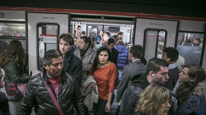 La Generalitat obre la porta a ampliar serveis mínims del metro