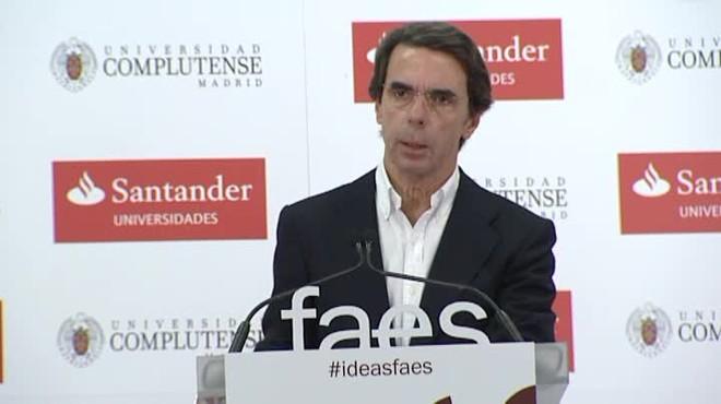 """Rajoy, davant la inquietud d'Aznar per Catalunya: """"El Govern no abdicarà de les seves obligacions"""""""
