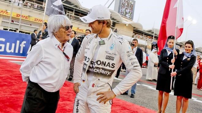 Bernie Ecclestone con Nico Rosberg, en Bar�in.