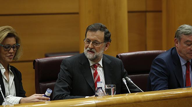 """Rajoy defiende ante sus senadores las """"duras decisiones internas"""" adoptadas por el PP para luchar contra la corrupci�n."""