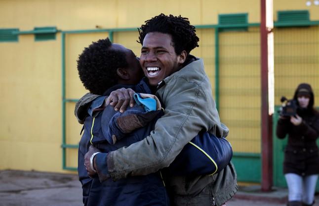 Medio centenar de inmigrantes llegan al CETI de Melilla