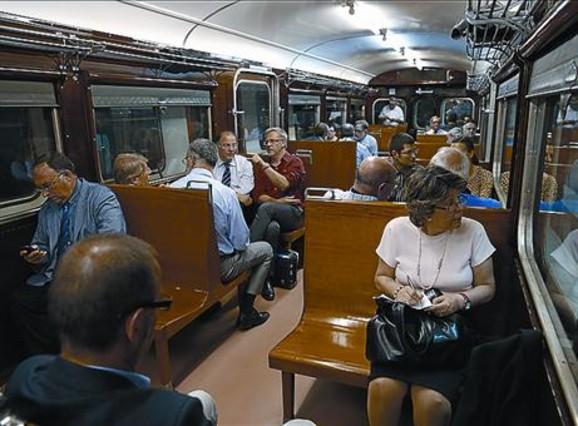 Ferrocarrils celebra 150 a�os con fotos y viajes hist�ricos