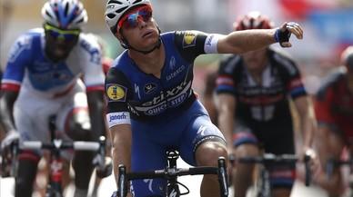 Les caigudes enterboleixen i emboliquen la Vuelta a Lugo