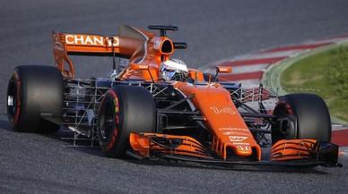 Al McLaren-Honda de Alonso le instalaron unos paneles de sensores aerodinámicos hoy en Montmeló.