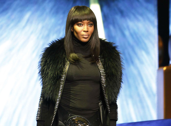 Philipp Plein incendia la passarel�la de Mil� amb la 'top' Naomi Campbell com a protagonista