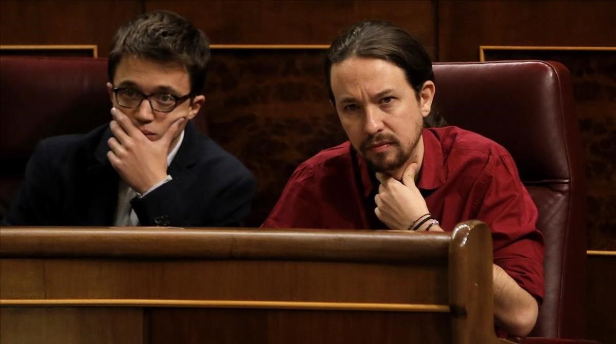 Revienta la tregua navideña de Podemos