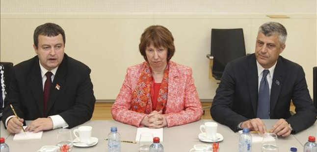 Serbia y Kosovo acuerdan normalizar sus relaciones