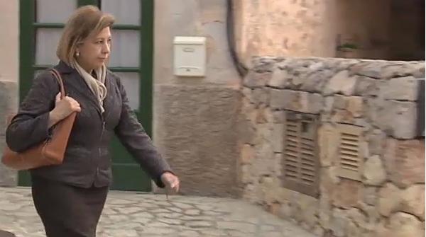 La polic a registra el domicilio de munar - Casa rural maria antonia ...