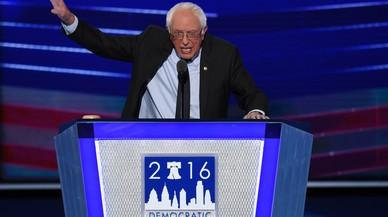 Contundent suport a Clinton de Sanders i Michelle Obama