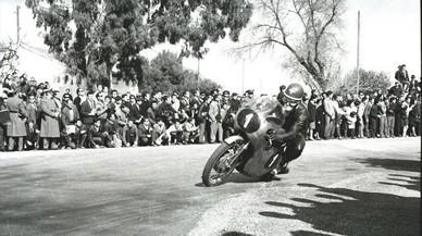 El suizo Luigi Taveri, tricampe�n del mundo de 125cc, en 1965 en el circuito alicantino de Vistahermosa.