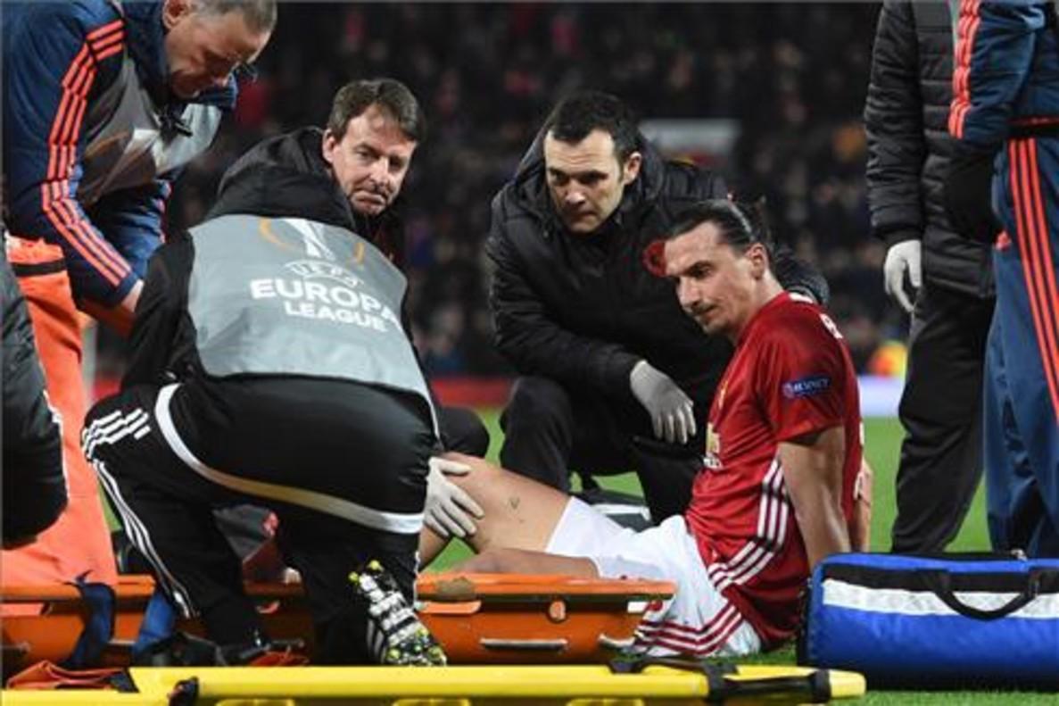 Las escalofriantes imágenes de la lesión de Ibrahimovic