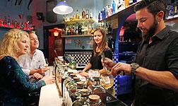 Copas en el Xix Bar, en Rocafort, 19 (Barcelona).