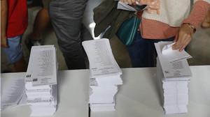 Las papeletas para las votaciones en la Escola Industrial