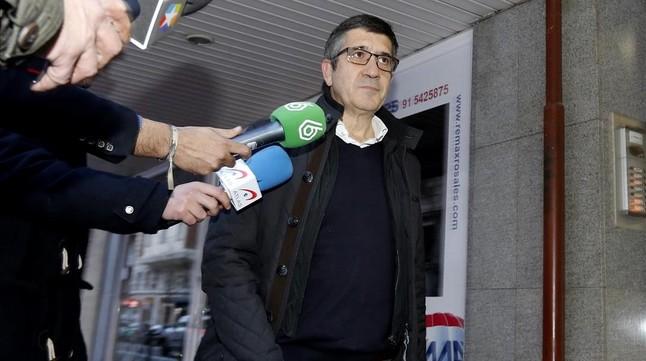 Patxi López, a su llegada al comité federal del PSOE, en Madrid, el pasado 27 de diciembre.