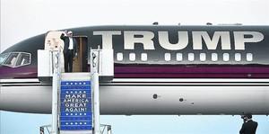 el 45º presidente Lo que hará Donald Trump a partir del 21 de enero es un misterio. Se da por sentado que hará obras en la Casa Blanca, que se le verá en Mar-a-Lago (en la foto, su residencia), en Florida, que su hija Ivanka (la primera, a la izquier