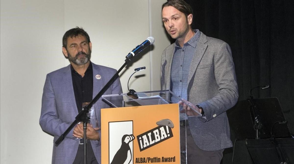 Camps (izquierda) y Canals, durante la entrega del premio, en Nueva York, el 16 de abril.