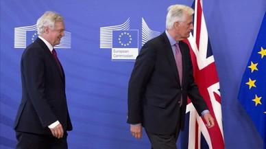 Londres cedeix i assumeix l'estratègia de negociació del 'brexit' de la UE