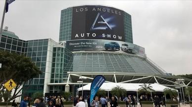 Acceso principal al Salón del Automóvil de Los Angeles.