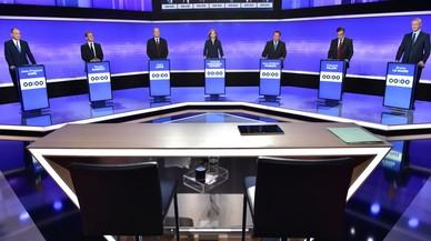 L'ex primer ministre Fillon irromp amb força en la campanya de les primàries de la dreta francesa