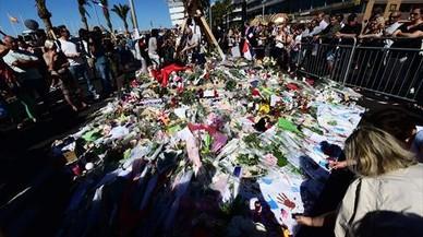 La Fiscalía pide retirar la edición del 'Paris Match' por las fotografías del atentado de Niza