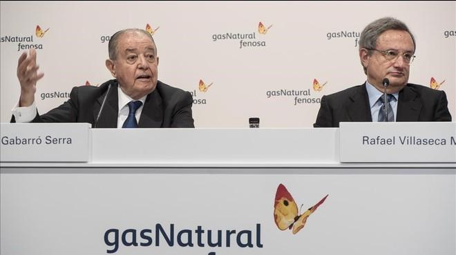 El presidente de Gas Natural, Salvador Gabarr�, y el consejero delegado Rafael Villaseca, a su derecha.