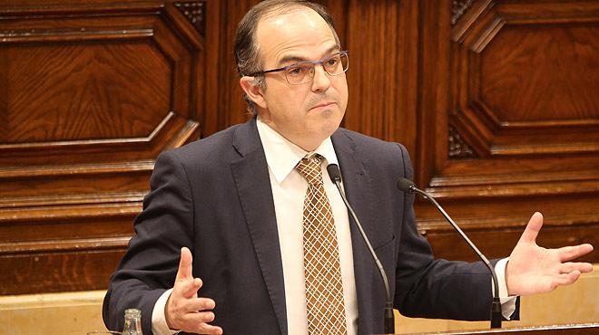"""El presidente del grupo parlamentario de JxS, Jordi Turull, dice que Mas """"se la ha jugado"""" con un gesto que ha sido """"ingente y gigante""""."""