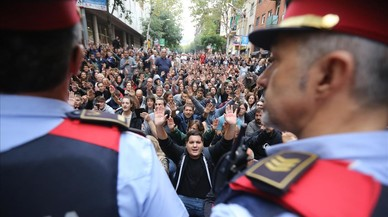 La cúpula de los Mossos pide a los agentes un informe sobre su actuación el 1-O