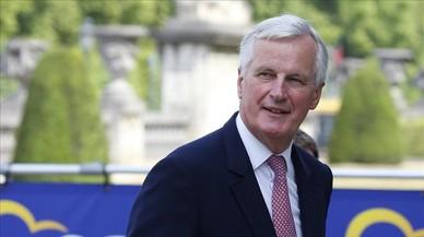 El negociador europeo para el 'brexit', Michel Barnier, llega a la reunion del Partido Popular Europeo este jueves en Bruselas.