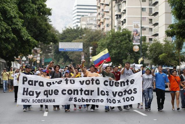 La comisi�n electoral de Venezuela aprueba un nuevo recuento de votos