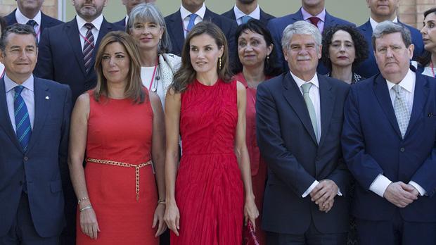 Rojo amapola para Letizia y Susana Díaz