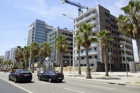 Una promoción de pisos en venta en Barcelona, el pasado 5 de agosto.