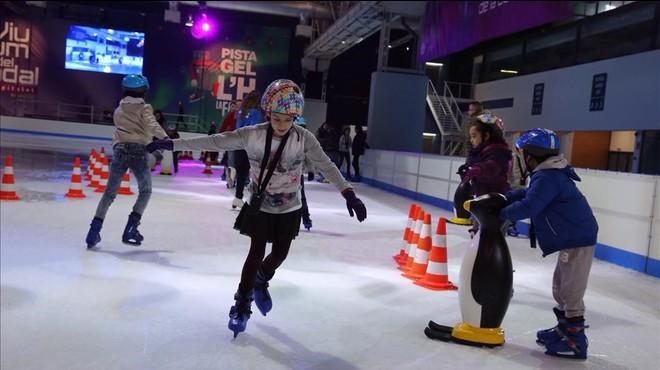 La pista de hielo de L'Hospitalet abre esta tarde