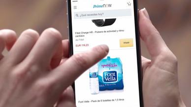 Un usuario compra desde la aplicación Prime Now de Amazon.