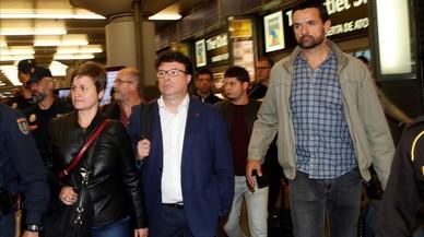Puigdemont i quatre consellers cessats planten la jutge i altres notícies del dia, en un minut
