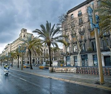 El passeig de Colom, on es podran obrir nous hotels sense límit, ahir.