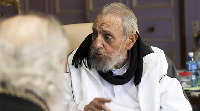 Fidel Castro durante el encuentro con al Patriarca de la Iglesia Ortodoxa Cirilo.