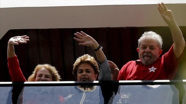 Lula, Rousseff y la esposa del expresidente..