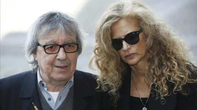 rtapounet33094176 former rolling stone bill wyman arrives with wife 160308104922