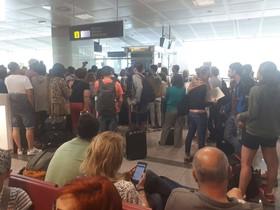 Los 180 pasajeros reclamaron en el aeropuerto de Tenerife el pasado día 26.