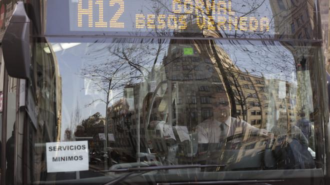 TMB assegura que el 31% dels conductors han seguit la primera aturada en la vaga d'autobusos