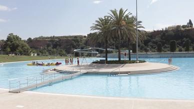 Sabadell reobre la piscina La Bassa amb una festa amenitzada pel grup del Club Super 3