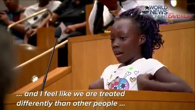 Les llàgrimes d'una nena denuncien la brutalitat policial contra els negres als EUA