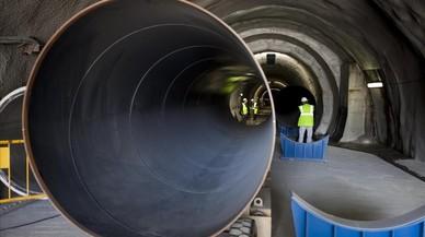 Barcelona aprova encarregar informes per a la municipalització del servei de l'aigua