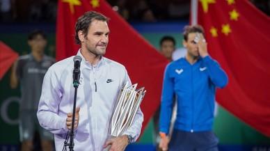Federer no dona opció a Nadal a Xangai